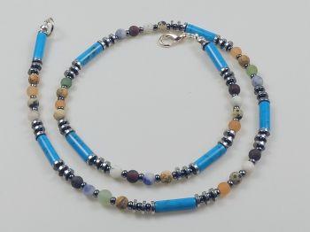 Zarte Halskette mit Achatperlen